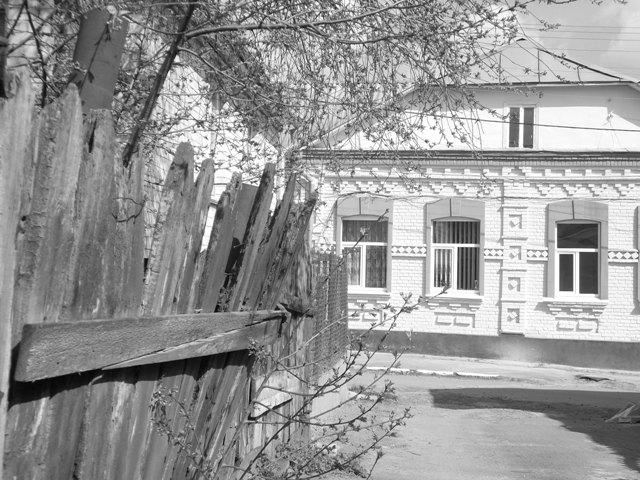 Прогулянка весняною вулицею Волі. Фоторепортаж із задоволенням і не без моралі