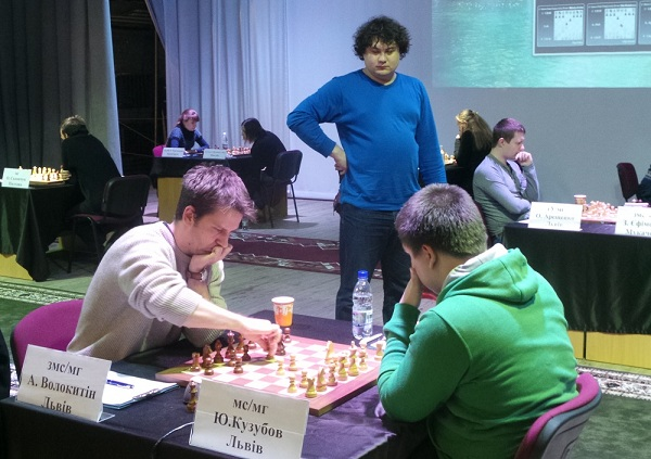 Чемпіонат України з шахів у Рівному перевалив за екватор