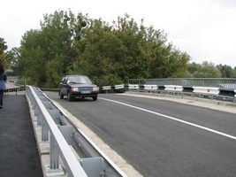 Близько місяця ремонтуватимуть міст на Бандери в Рівному