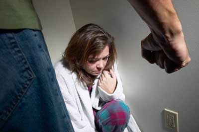 На Рівненщині військовий згвалтував дівчину