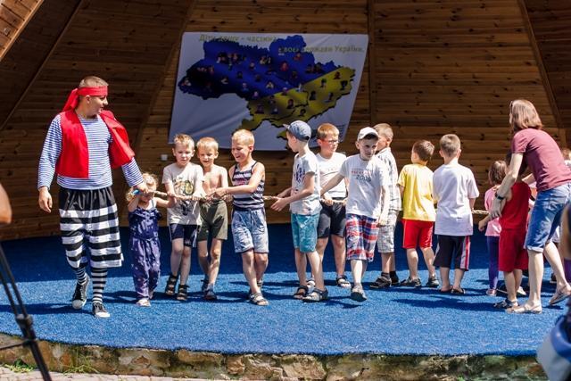 На Рівненщині розпочав роботу табір для дітей-аутистів