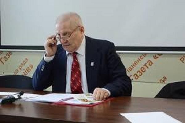 Василь Цинко: «Уряд Яценюка відкрито грабує українців»